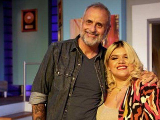 Tras la renuncia de Rial a TV Nostra, su hija salió a bancarlo