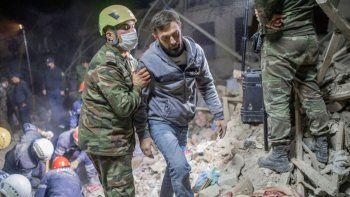 mueren 13 civiles y azerbaiyan jura que los vengara