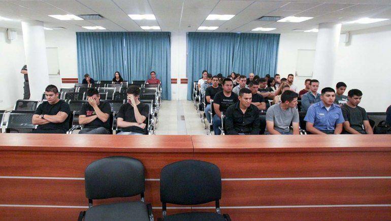 Certificados truchos: el acuerdo al que llegaron 28 policías involucrados