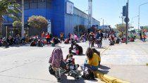 caos de transito por el acampe de organizaciones en avenida argentina