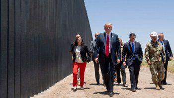 trump se apresura para levantar el muro