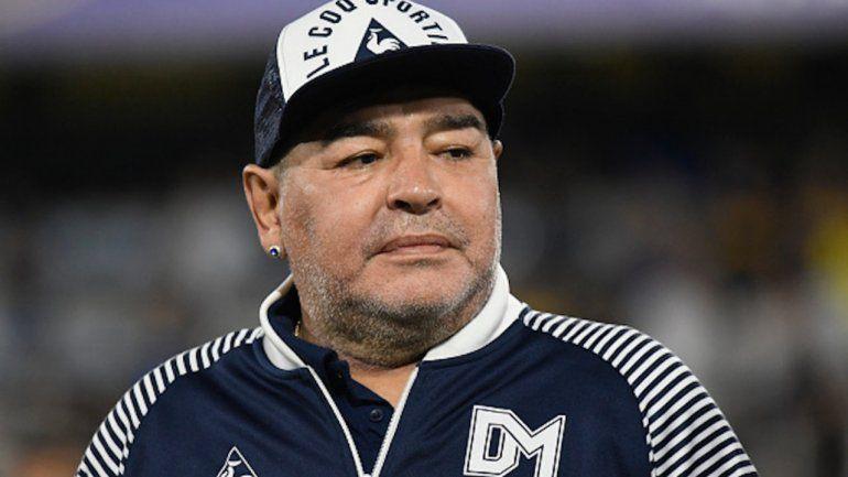 Alarma y temor por un positivo en el mismo piso de Maradona