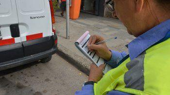 Los autos mal estacionados lideraron las multas de tránsito en 2020