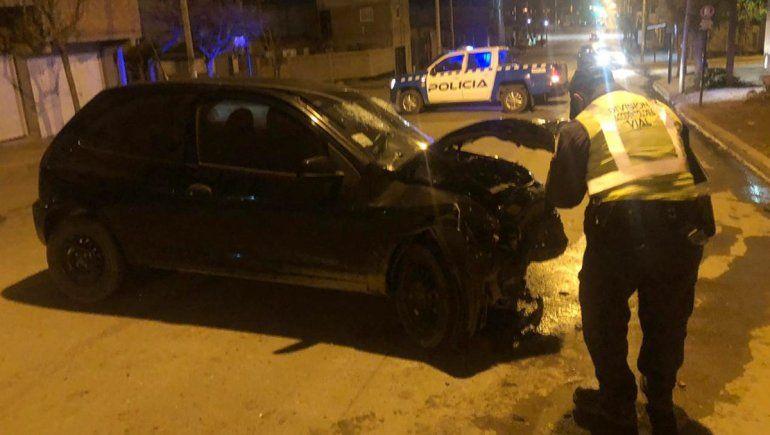Violento choque en barrio Islas Malvinas terminó con dos heridos