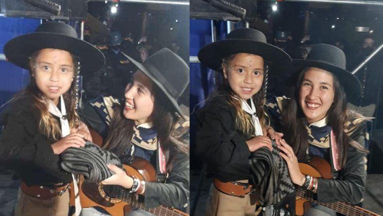 La pequeña Agostina cantó con su ídola y emocionó a Plaza Huincul