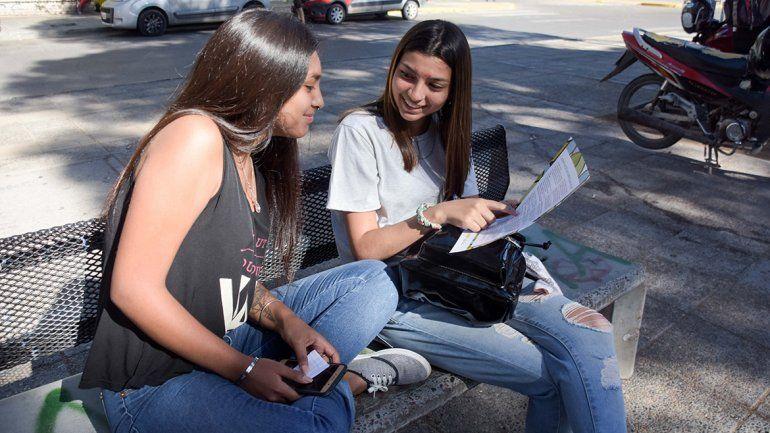 Los más jóvenes los más interesados en hacer su currículum con ayuda de la Muni
