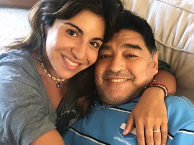 Gianinna reveló los mensajes del psicólogo de Diego: Quiere estar solo