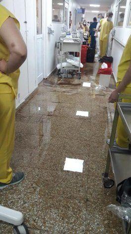 Se inundó un pasillo de la terapia Covid del Castro Rendón