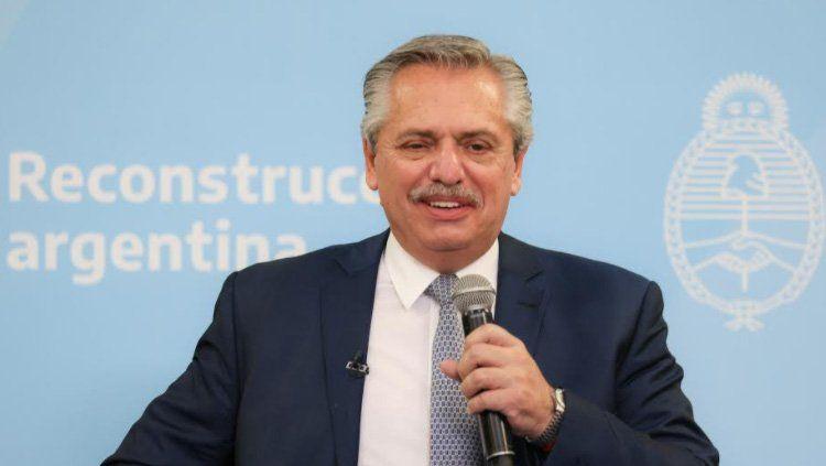 Alberto anunció la extensión del distanciamiento hasta el 31 de enero