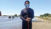 el palista ciego que emociona en la regata del rio negro