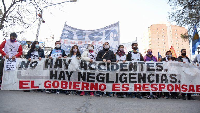 Marcha de ATEN por Mónica Jara: No fue un accidente, fue negligencia