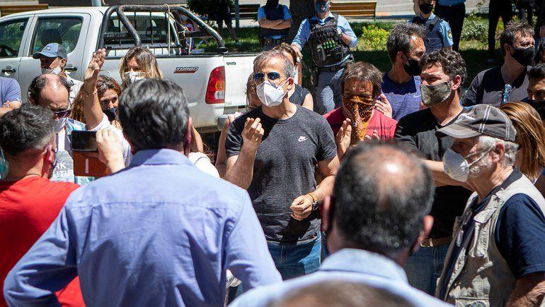 Tensión entre vecinos de San Martín y el intendente por las restricciones