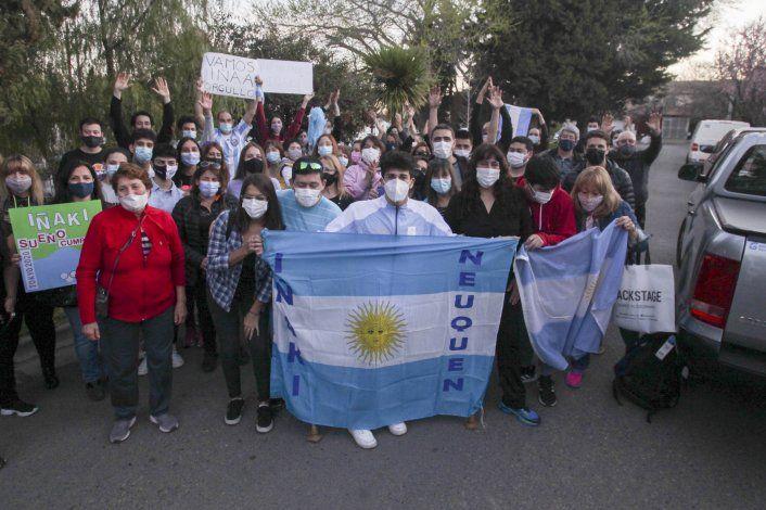 Alegría y emoción, el tributo del barrio de Alta Barda para Iñaki Basiloff
