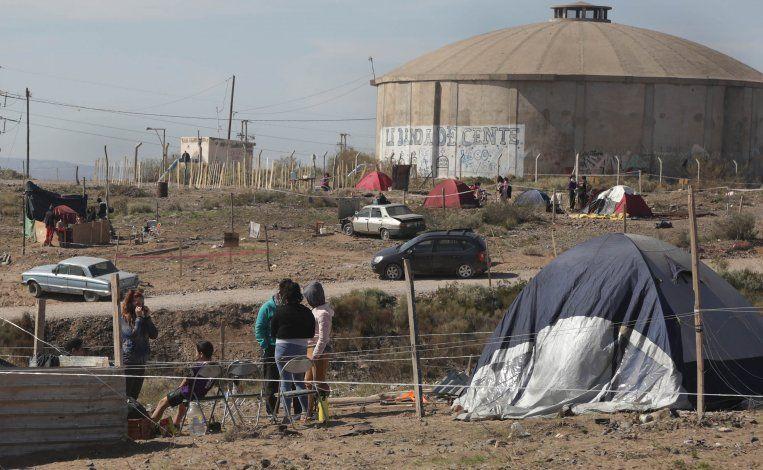 Centenario: una toma crece al calor de los sin trabajo de la cuarentena