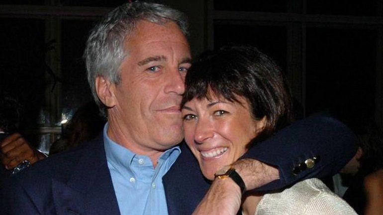 Atroz denuncia en el caso Epstein: Fui violada por él frente a mi hijo