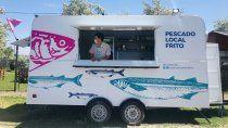 un carro para comer pescado frito al paso en barda del medio