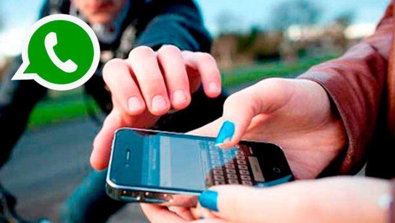 WhatsApp ofrece ayuda para recuperar la cuenta en caso de que haya sido robada o hackeada.
