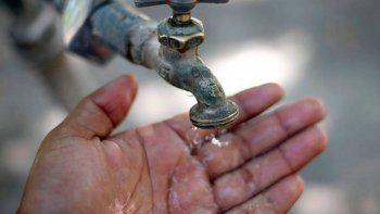 van a la justicia por falta de agua en barrios de la meseta