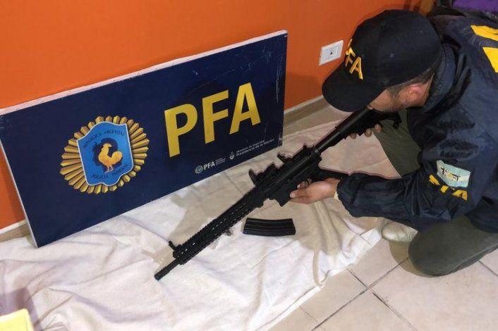 Capo narco compró fusiles y explosivos desde prisión