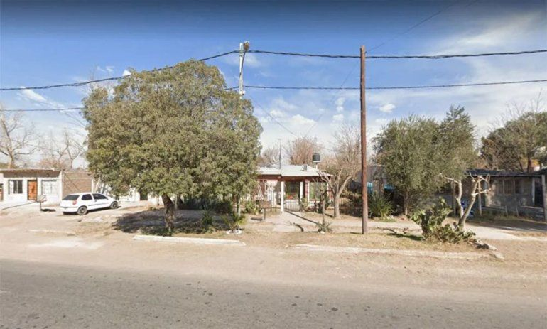 El linchamiento de los vecinos se produjo cuando el acusado intentó volver a su casa y agredió a la Policía. Ocurrió en Mendoza.