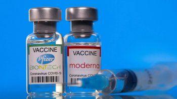 La vacuna de Moderna generaría más anticuerpos que la de Pfizer