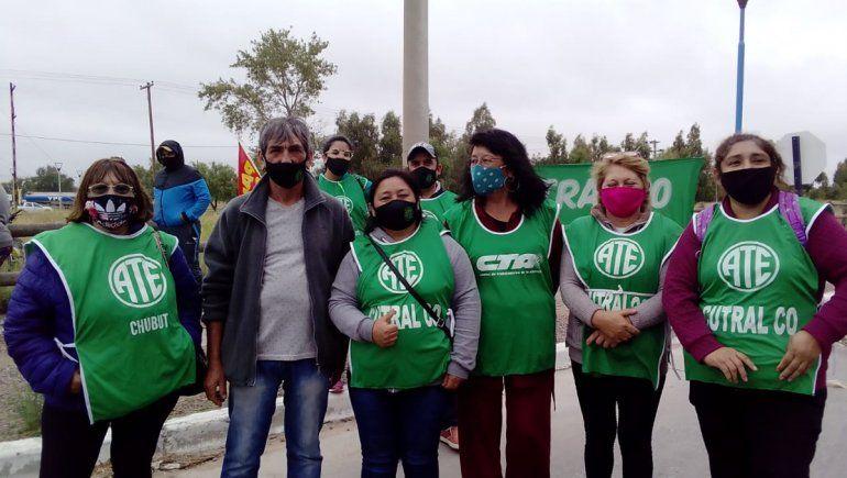 Plaza Huincul: trabajadores de ATE y ATEN bloquearon los accesos a la refinería