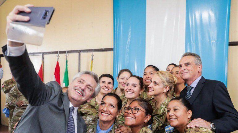 Fernández despidió al contingente que participará de la misión de paz de la ONU