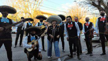 Amor a la mexicana: el regalo que la ayuda tras la pérdida de su esposo