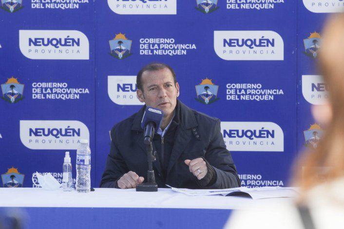 Gutiérrez firmó el decreto del pase a planta de 333 trabajadores de salud.