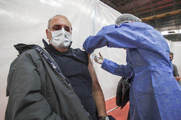 Gutiérrez anticipó la llegada de 31 mil dosis de AstraZeneca
