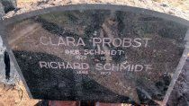 descubren la lapida de un jerarca nazi enterrada en una casa de mar del sur
