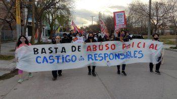 Marcharon contra el abuso policial hasta la comisaría Quinta