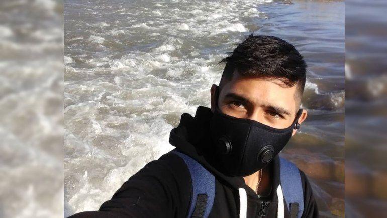 El desgarrador pedido por un neuquino de 19 años que espera un respirador