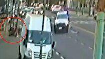 patrullero cruzo en rojo, atropello y mato a un motociclista