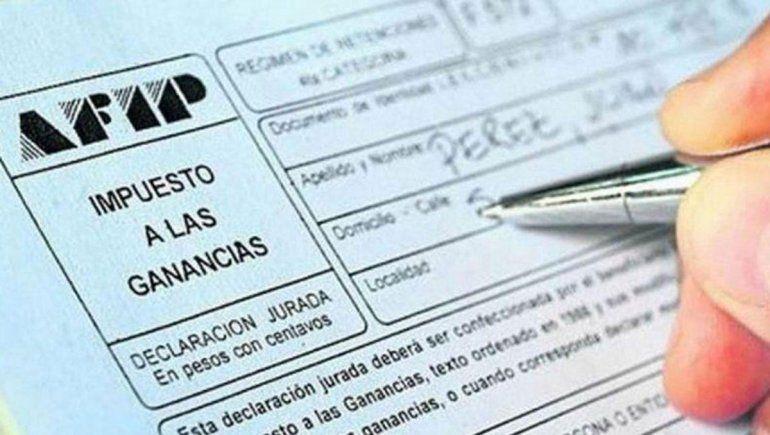 El proyecto de ley prevé aumentar el piso del impuesto a las Ganancias a los 150 mil pesos.