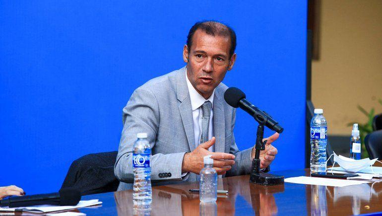 Gutiérrez: La única solución es no llegar al respirador porque sólo el 50% se salva