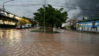 Asisten a más de 70 vecinos en Rincón de los Sauces por las lluvias