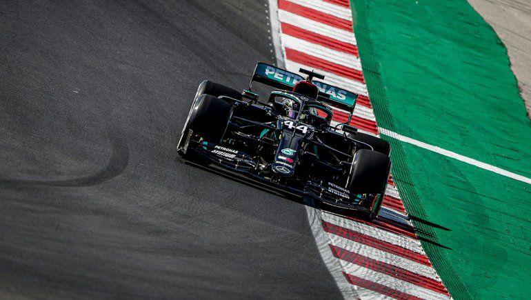 Lewis Hamilton se quedó con la pole position de la Fórmula 1 en Portugal.