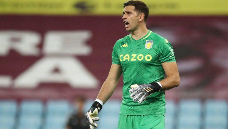 Dibu Martínez se le plantó a la Premier League y confirmó que viajará para jugar en la Selección