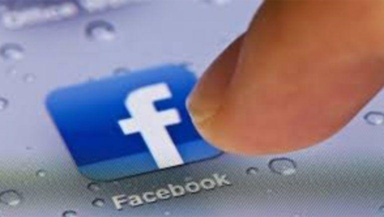 Por su seguridad, Facebook pide a sus empleados no usar ropa con su logo en público
