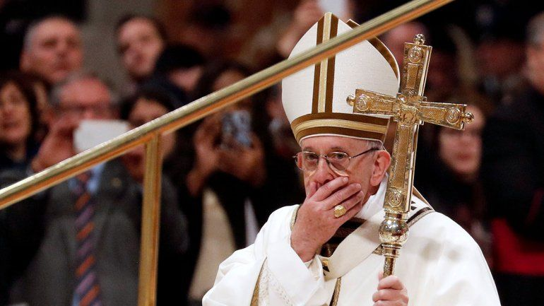 Uno de los colaboradores del Papa dio positivo a COVID-19