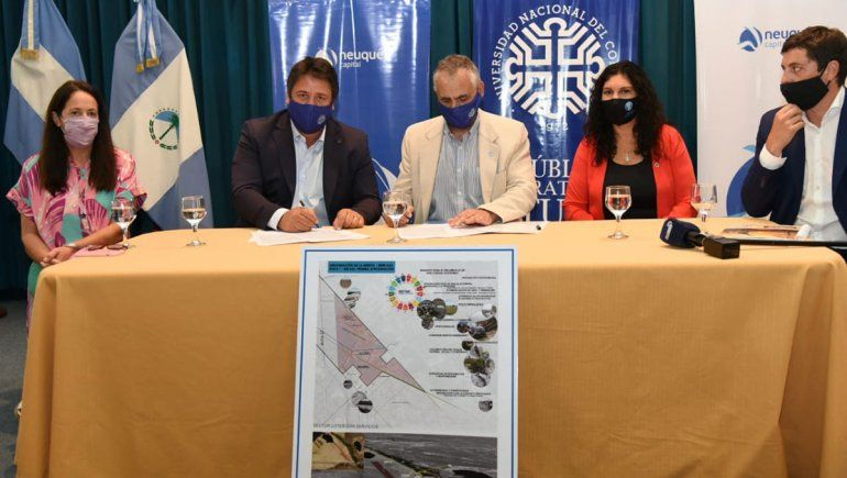 Gaido firmó un convenio con la UNCo para urbanizar la Meseta
