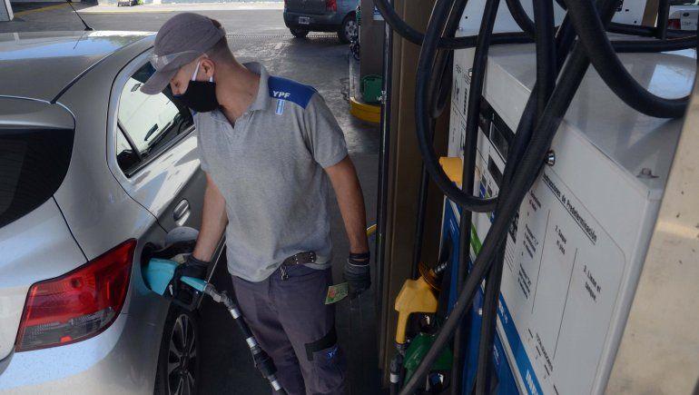 Naftas: estacioneros creen que todavía falta un 15% de aumento