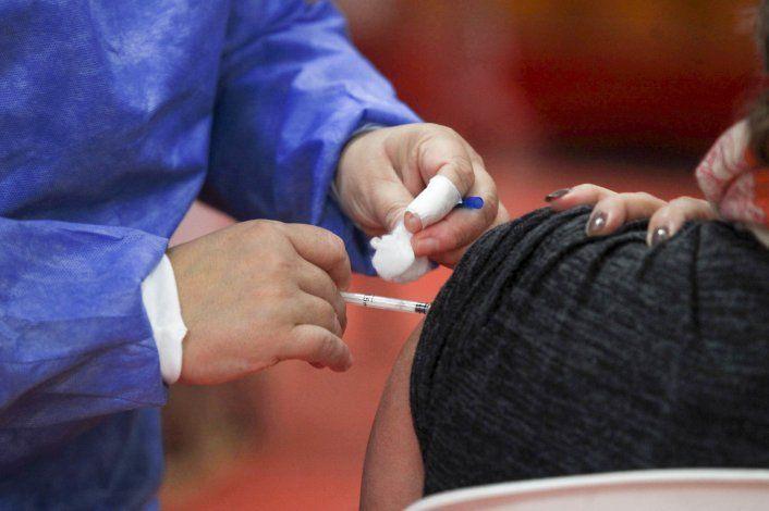 Vacunación: abren la inscripción para personas desde 50 años