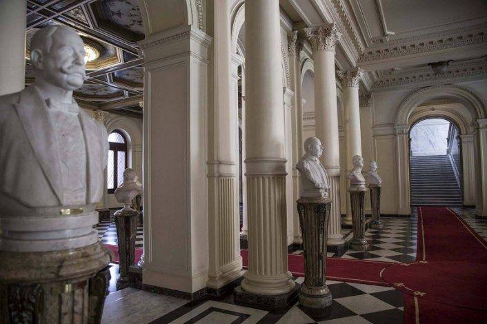 La imagen de Carlos Menem lucirá en el Salón de los Bustos de Casa Rosada.