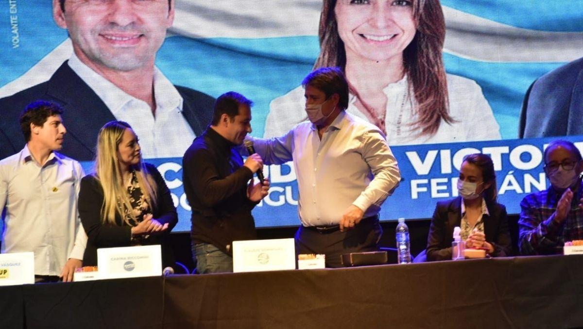 extrapartidarios apoyaron la candidatura de claudio dominguez