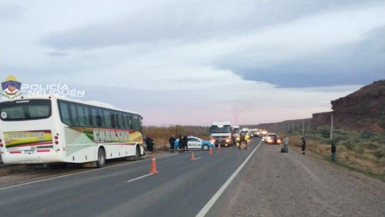 Ruta 7: fuerte choque entre un colectivo y dos traffics dejó 19 heridos, cuatro de gravedad