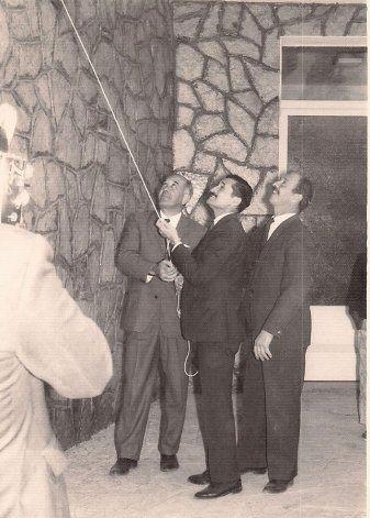 Ernesto con Felipe Sapag en las Lajas.