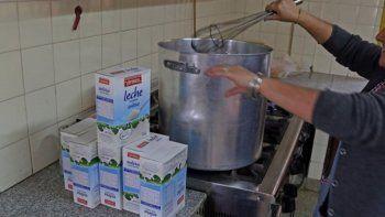 comerciantes se unen y piden donaciones de leche para merenderos