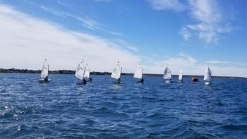 Fiesta náutica en el Lago Mari Menuco con la primera Copa Juniors